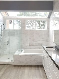 Minimalist Bathroom - Bathroom Remodeling Tub & Shower Ideas Bathroom Remodeling, Frame-less shower Bathroom Design Luxury, Master Bathroom Design, Bathroom Remodel Shower, Tub Remodel, Bathrooms Remodel, Shower Tub, Small Master Bathroom, Minimalist Bathroom, Bathroom Layout