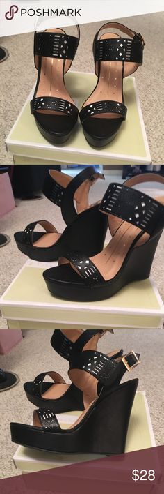Woman's 6 1/2  Fahrenheit wedge high heel sandal Woman's 6 1/2  Fahrenheit black platform wedge high heel sandals brand new still in box about 5 inches high in back and front is s little over 1 inch Fehrenheit Shoes Platforms