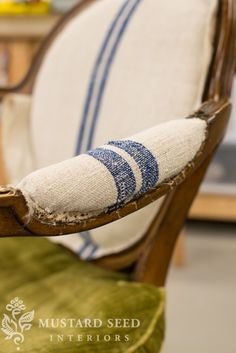 9 Eye-Opening Tips: Upholstery Armchair Awesome upholstery trim side tables.Upholstery Corners How To Sew upholstery shop linens. Striped Upholstery Fabric, Upholstery Cushions, Upholstery Nails, Seat Cushions, Upholstery Fabrics, Reupholster Furniture, Furniture Upholstery, Funky Furniture, Coaster Furniture