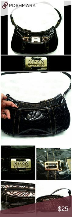 "★MAXX NY SIGNATURE BLACK BAG  NWOT MAXX NEW YORK SIGNATURE PATENT LEATHER SHOULDER BAG *.  Black Patent Leather *.  Gold Hardware *.  1 Outside Back Compartment  *.  Inside Zipper Compartment  *.  Signature Lining *.   L 7""  X W  11 1/2"" Shoulder Drop 10"" GREAT SHOULDER BAG! MAXX NEW YORK SIGNATURE  Bags Shoulder Bags"
