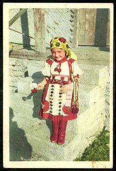 Kalotaszeg. | Képeslapok | Hungaricana Folk Costume, Costumes, Folk Dance, Hungary, Folk Art, Harajuku, Magic, Culture, Children
