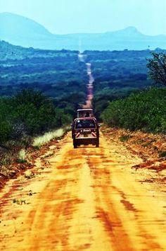 På väg mot Tsavo Öst, en av de nationalparker som ligger närmast Mombasa.