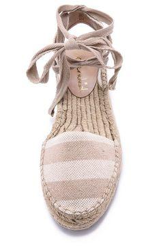 e57e8e992 Striped Espadrilles Sapato Tumblr, Looks Estilosos, Vestido Chique, Calças  Femininas, Sapatos Sandálias