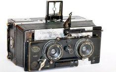 Appareil photo vintage et déco : 10 idées inspirantes ! - Kodak Express Paris 2 Antique Cameras, Vintage Cameras, Vintage Photos, Stereo Camera, Camera Gear, Classic Photography, Photography Gear, Digital Revolution, Classic Camera