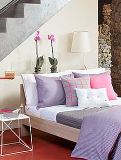 Color palette love: Lavender, pink, gray & white.