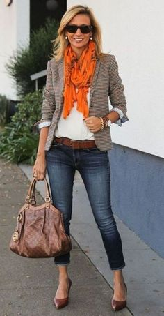 Gorgeous 33 Cute Casual Chic Blazer Outfits for Work Spring and Summer 2018 http://inspinre.com/2018/03/08/33-cute-casual-chic-blazer-outfits-work-spring-summer-2018/