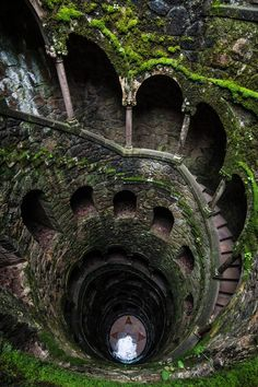 Climbing up the initiation Path (a well) in the Quinta da Regaleira. Does have a Skyrim feel when looking back down