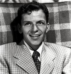 Frank Sinatra is such a babe. looks just like the boy i once loved.