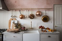 Vintage Kitchen Room of the Week :: Pink Plaster Walls in a Farmhouse Kitchen - coco kelley coco kelley - While this entire Room of the Week is stunning, the pink plaster walls and green thonet chairs had us at hello in this farmhouse kitchen dining room. Copper Kitchen, New Kitchen, Kitchen Dining, Copper Pots, Kitchen Rack, Dining Table, Rustic Kitchen, Cheap Kitchen, Green Kitchen