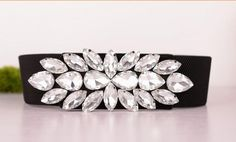 Belleza de lujo! Gorgeous Austrian Crystal correa multicolor salvaje Cintos alta calidad cinturones de diseño para mujeres en Cinturones y Fajas de Moda y Complementos Mujer en AliExpress.com   Alibaba Group Couture Embroidery, Embroidery Fashion, Bracelet Crafts, Jewelry Crafts, Crystal Embroidery, Pearl Design, Wedding Belts, Chunky Beads, Beaded Trim