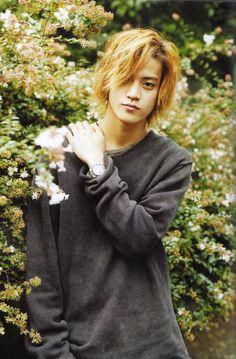 Hello. I'm Haru.. I'm seventeen.. I am a kodama... A tree spirit.. I like to garden.. I'm a bit shy..
