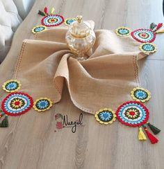 Selammm mutlu haftanlar 😊😊 Hava çok kapalı hiç benim havam değil modum çok düşük enerji sıfır üretemiyen bir ben 😁😁 Knitting For BeginnersKnitting HatCrochet PatternsCrochet Ideas Crochet Fabric, Crochet Motifs, Crochet Tablecloth, Crochet Home, Crochet Gifts, Crochet Doilies, Crochet Flowers, Crochet Stitches, Knit Crochet