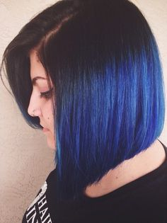 Want to look dark and mysterious while experimenting with a blue hairstyle? These are our favorite takes on the blue black hair trend. Ombre Bob Hair, Bob Hair Color, Blond Ombre, Hair Color For Black Hair, Ombre Hair Color, Frontal Hairstyles, Bob Hairstyles, Trendy Hairstyles, Demi Moore Short Hair