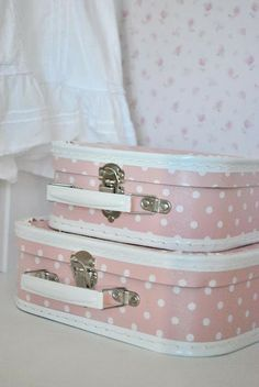 Polka dot suitcases <3