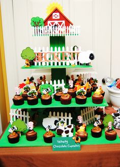 Cupcake stand para una temática de fiesta de la granja. #FiestasInfantiles