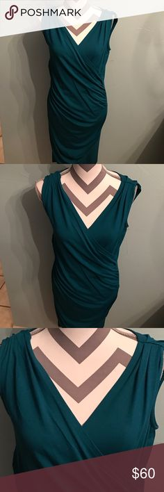 💯 Brand New Ann Taylor sexy sleeveless dress 💯 Brand New Ann Taylor sexy sleeveless dress!NO TRADE! Kindly check more Bags, Shoes,tops,skirts,dress etc. Waiting for you! Ann Taylor Dresses Midi