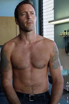 #H50 – shirtless Steve | Alex O´Loughlin ~ An Intense Study