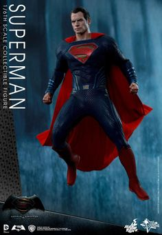 New BATMAN V SUPERMAN Hot Toys Showcase Titular Characters And New 'Batmobile' Footage