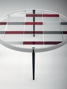 TABLE BASSE DE GIO PONTI   Disponible chez www.collectionofdesign.com