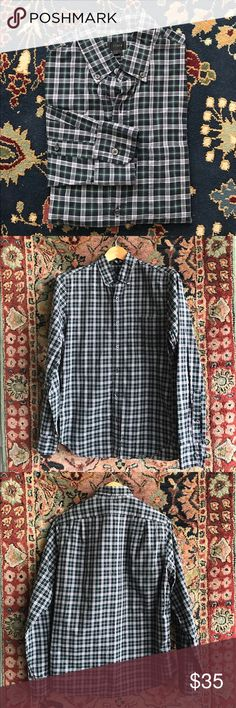 """J Crew Plaid Tartan Button Down Men's Classic and simple. The style, comfort and quality you expect from J Crew. In excellent condition with no issues. 19.25"""" underarm to underarm and 28.5"""" L. Slim fit. J. Crew Shirts Casual Button Down Shirts"""
