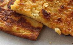 """Κοινοποιήστε στο Facebook Λεπτή, βουτυράτη και τραγανή, με την αλμύρα της φέτας που τρίβεται στη κάθε μπουκιά, η αλευρόπιτα είναι για μένα η τέλεια ελληνική απάντηση στην γνήσια Ιταλική πίτσα. Υλικά : Υλικά για μία ζαγορίσια αλευρόπιτα2 """"πλώχερα"""" και κάτι... Pureed Food Recipes, Dessert Recipes, Cooking Recipes, Greek Desserts, Greek Recipes, Pita Recipes, Greek Cooking, Cooking Time, Homemade Pastries"""