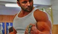 """This is How a """"Top 5 Biceps in Poker"""" must Look! Best Biceps, Poker, Funny, Mens Tops, Funny Parenting, Hilarious, Fun, Humor"""