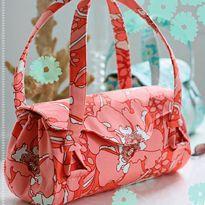 Free Amy Butler Pattern ~ Blossom Handbag/Shoulder Bag