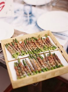wedding-reception-appetizers-bacon-asparagus