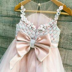 Lanna dress #welovesdetails #honeybeekids #honeybee_kids