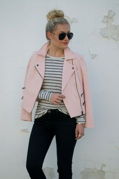 Awesome Spring Jacket Outfit Ideas For 201910 Biker Jacket Outfit, Leather Jacket Outfits, Moto Jacket, Pink Leather Jackets, Colorful Leather Jacket, Jacket Jeans, Bomber Jackets, Denim Jackets, Puffer Jackets