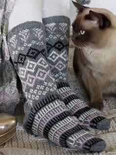 Novita wool socks, Womans socks made with Novita Pikkusisko yarn - Super knitting Wool Socks, Knitting Socks, Hand Knitting, Knitting Patterns, Baby Set, Lots Of Socks, Scandinavian Pattern, Patterned Socks, Knitting Videos