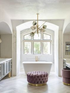 The WD Residence is an amazing encapsulation of colors. The pink hues with the white really bring out the uniqueness of the bathroom design.