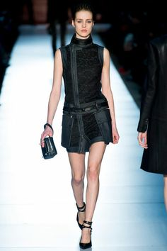 Diesel Black Gold Fall 2013 Ready-to-Wear Collection - Vogue Punk Fashion, Couture Fashion, Fashion Outfits, Dress Fashion, Fashion Runway Show, Vogue, Passion For Fashion, Editorial Fashion, Yorkie