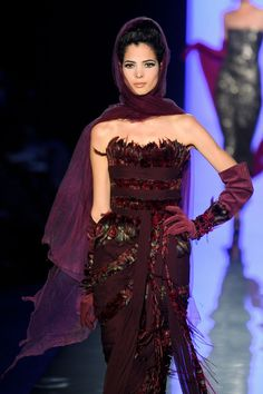 Jean Paul Gaultier Haute Couture fall 2011 #feathers