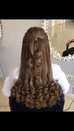Thick wavy hair styles medium 20 ideas for 2020 Front Hair Styles, Curly Hair Styles, Hair Front, Bride Hairstyles, Trendy Hairstyles, Wavy Hairstyles Tutorial, Wavy Haircuts, Hair Lengths, Bridal Hair