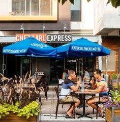 La terrasse de la pizzeria Chez Carl express Condo, Album Photo, Le Point, Photos, Patio, Lifestyle, Outdoor Decor, Pictures, Terrace