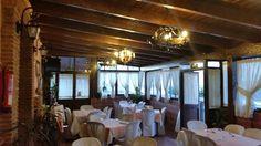 Organiza tus celebraciones y despedidas Estepona para solteros y solteras en nuestro restaurante con excelente menú y espectáculo privado para tu fiesta.