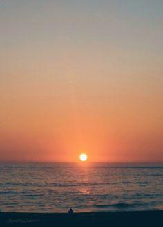 Una puesta de sol siempre inspira a amar...   <3  <3  <3