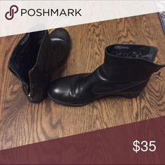 Born zipper back ankle boots, 9.5. Lightly worn Beautiful and super comfy zip in back ankle boots Born Shoes Ankle Boots & Booties