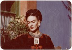 Why we need to see Frida Kahlo beyond her biography Archives Of American Art, Frida And Diego, Mexican Artists, Diego Rivera, My Fair Lady, Girl Bands, Art History, Ancient History, Cool Girl