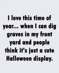 I love this time of year. Serious Quotes, Snapchat Text, Halloween Displays, Fiction Novels, Political Figures, Interesting News, Cute Halloween, Halloween Season, Image Macro