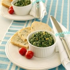 Spinach and walnut spread - a healthy and delicious snack