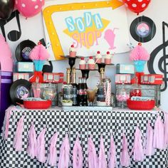 Grab your best girl and get ready for a rockin' and rollin' good time at this retro Daddy Daughter Sock Hop Valentine'd Day Dance Party! Retro Birthday Parties, 50s Theme Parties, Adult Party Themes, 50th Birthday Party, Valentines Day Party, Cool Party Themes, 1950s Theme Party, Grease Themed Parties, Grease Party