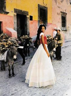 """""""Heat Of The Moment - Mexico"""", Vogue, March 1998Photographer : Ellen von Unwerth Model : Naomi Campbell"""
