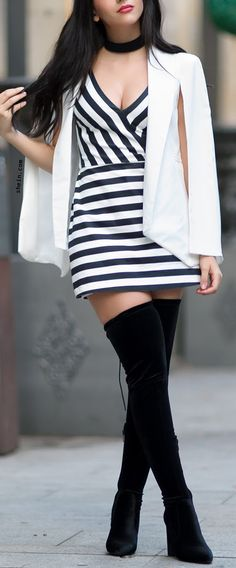 Minimal chic-White Shawl Collar Cape Blazer Outfit.