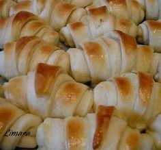 Limara péksége: Lala kifli Hungarian Recipes, Hungarian Food, Ciabatta, Bread Rolls, Cake Recipes, Nom Nom, Bakery, Cheese, Meat