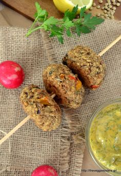 "The vegan 's healthy ""junk food"":pita with lentil balls, ""fried"" roasted potatoes & herbed mustard sauce! Lentil Burgers, Vegan Burgers, Nutritious Snacks, Vegan Snacks, Vegan Food, Vegetarian Cooking, Vegetarian Recipes, Healthy Recipes, Healthy Junk Food"