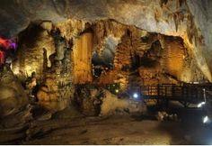 Hidden Vietnam Exploration Tour / 18 days US$ 1,288