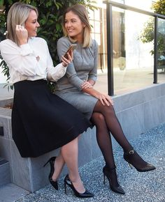 48 Wonderful Business Attire Ideas For Women In Winter - TILEPENDANT Does your work wardrobe need a tune up? Good news! It's clearance time, and this is the time to pick … Corporate Attire Women, Corporate Wear, Corporate Fashion, Office Fashion, Corporate Chic, Work Fashion, Girls Winter Outfits, Office Outfits Women, Work Outfits