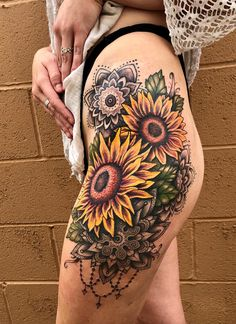 Finally finished my sunflower and mandala piece by Caitlin Major at Pretty in INK in Roseville, CA! Back Hip Tattoos, Thigh Piece Tattoos, Cover Up Tattoos, Female Hip Tattoos, Sunflower Mandala Tattoo, Mandala Hip Tattoo, Sunflower Tattoos, Skull Tattoos, Hand Tattoos